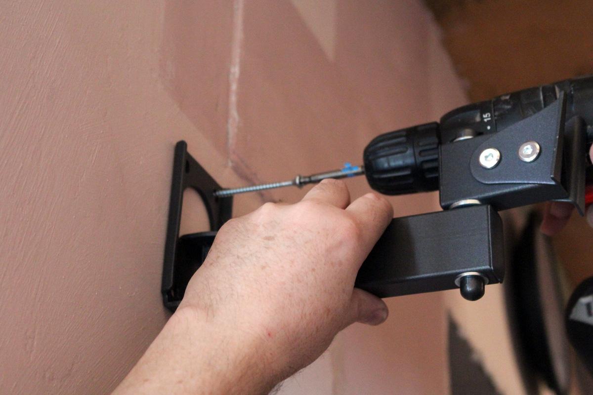 Installieren Sie einen Flachbildfernseher an der Wand. Wie man einen ...